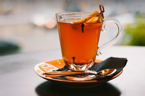 Чай с гвоздикой и лимоном