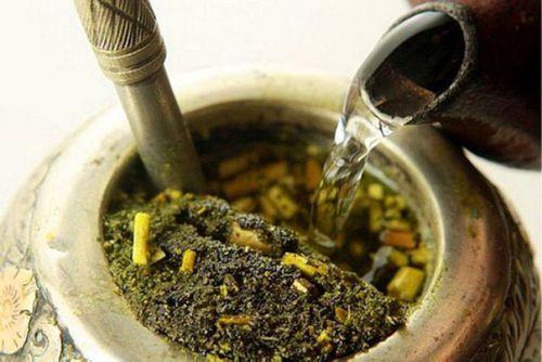 Заваривание чая мате