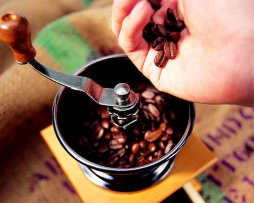 Кофе в кофемолке