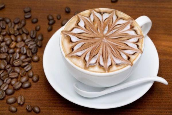 Кофе с красиво оформленной пеной
