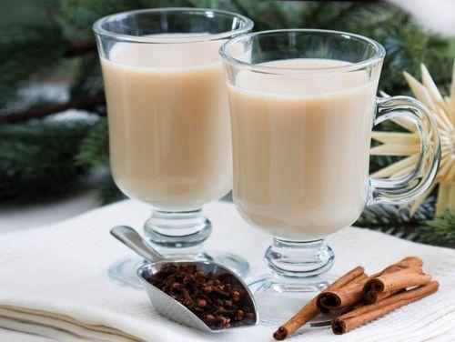 Чай с молоком и с пряностями