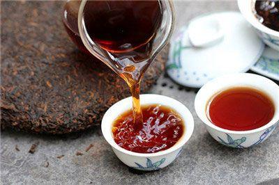 Чай пуэр в чашках