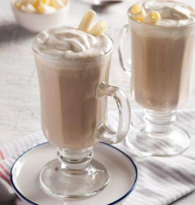 Кофе с мороженым и молоком