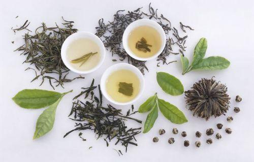 Чашки с зеленым чаем