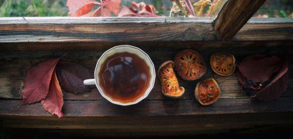 Чай матум на подоконнике