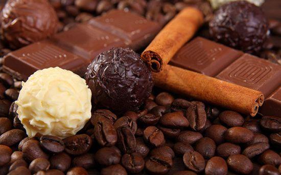 Конфеты и какао-бобы