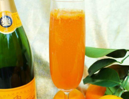 Апельсиновый сок и шампанское