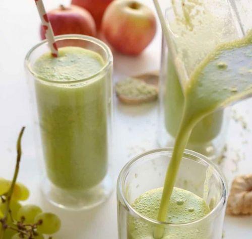 Смузи из винограда и яблока