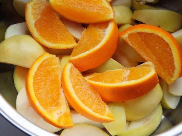 Компот из апельсинов и яблок