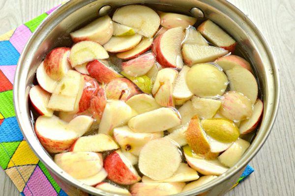 Компот из груш и яблок