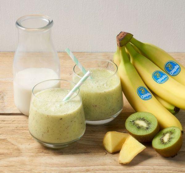 Смузи из киви, банана и молока