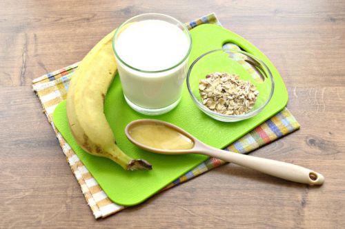 Ингредиенты для бананового смузи