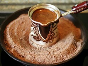 Кофе в турке на песке