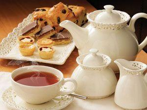 Чай с десертами