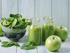 Смузи с яблоком и шпинатом